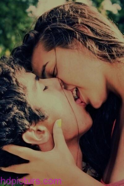 صور صور رومانسيه بوس , القبلات الرومانسية بين الزوجين