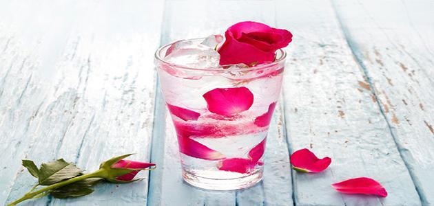 صورة اضرار شرب ماء الورد , تاثير شرب ماء الورد علي القلب