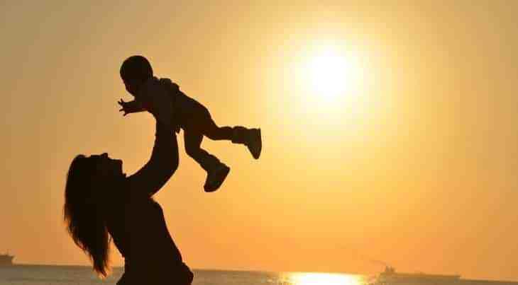 صورة رؤية الام الميتة حية في المنام , تفسير رؤية الام المتوفية في المنام حية 3735 1