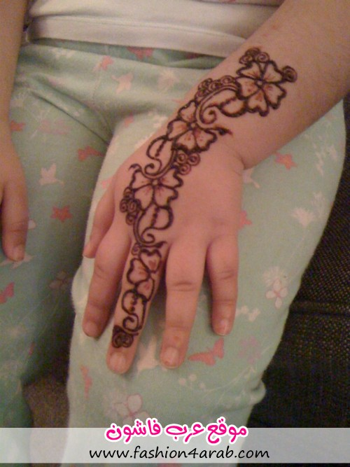 صورة رسومات حنة للاطفال , اجمل رسومات حنة على يد الاطفال
